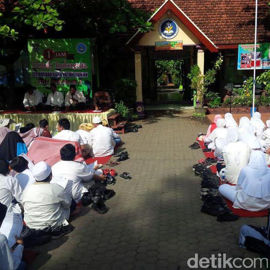 Pelajar dan MUI Probolinggo Doa Bersama untuk Indonesia Damai