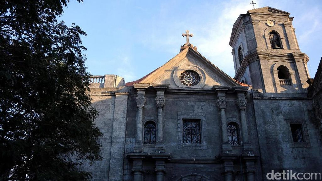 Potret Gereja San Agustin yang Bernuansa Baroque di Manila