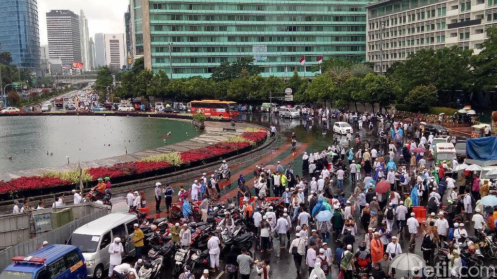 Bundaran HI Macet, Bus TransJakarta Putar Arah ke Senayan