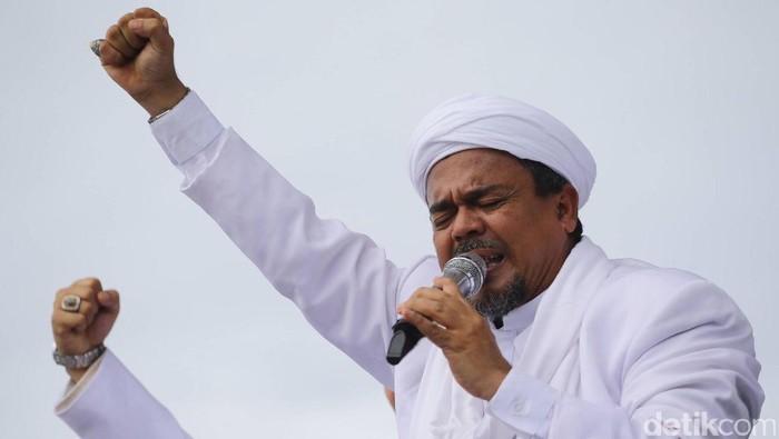 Habib Rizieq, Munarman dan Arifin Ilham menghadiri aksi damai 2 Desember di Monas, Jumat (2/12/2016).