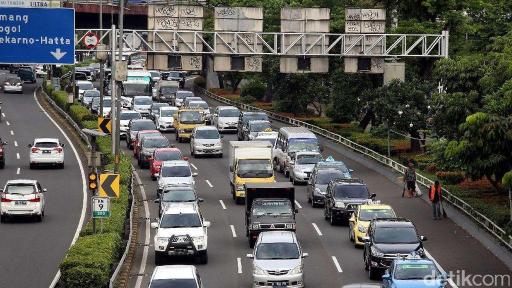 Long Weekend, 23 Ribu Kendaraan Lintasi Tol Cibubur Menuju Bogor