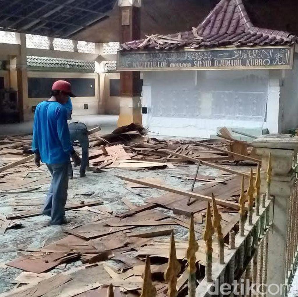 Makam Troloyo Tak Tersentuh Perbaikan, Padahal Sumbang Rp 380 Juta Per Tahun