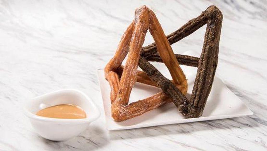 Churros 3D Bentuk Piramida Bertaut Jadi Karya Pastry Terbaru Dominique Ansel