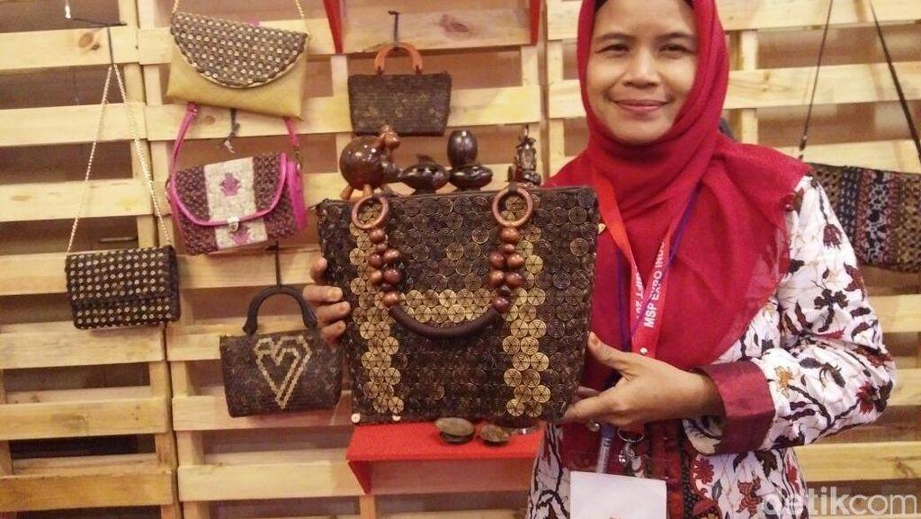 Produk Kerajinan dari Batok Kelapa Ini Diekspor Ke Malaysia Hingga Jamaika