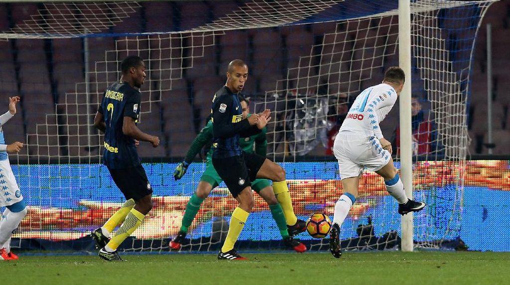 Napoli Hajar Inter 3-0