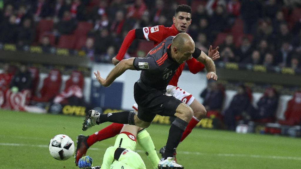 Performa Apik Robben di Laga Bundesliga ke-150