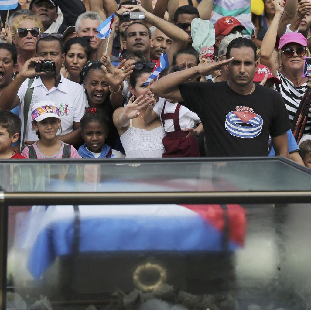 Abu Fidel Castro Akan Dimakamkan di Sebelah Makam Pejuang Kemerdekaan Kuba