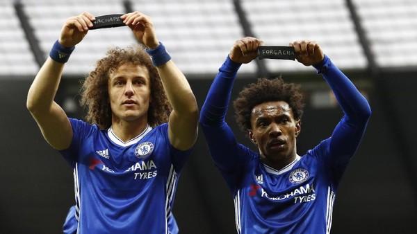 Penghormatan David Luiz-Willian untuk Tragedi Chapecoense