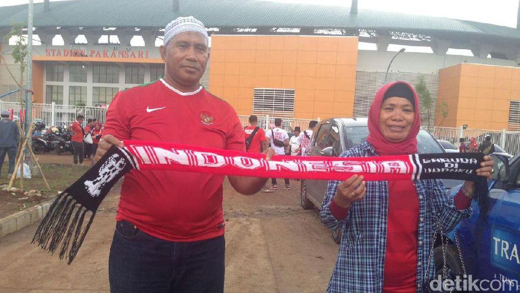 Datang dari Ternate ke Pakansari, Orangtua Zulham Zamrun Doakan Kemenangan Timnas