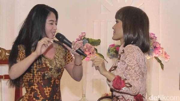 Hebohnya Julia Perez dan Dewi Persik Saat Sepanggung Lagi