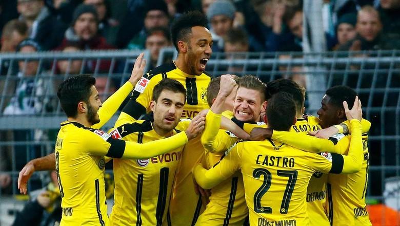 """Bandar Bola - Neuer Belum Coret Dortmund Dari Persaingan"""