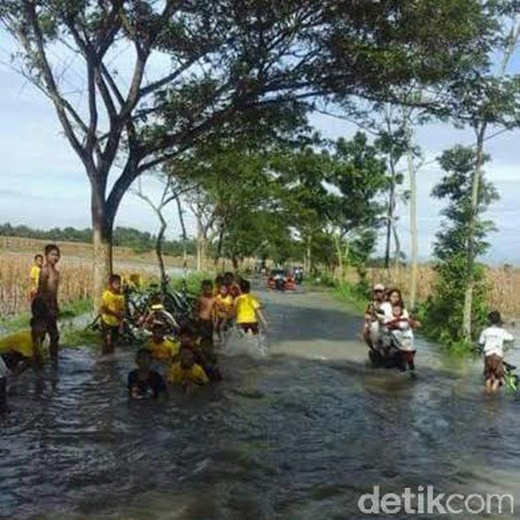 4 Kecamatan di Kabupaten Indramayu Tergenang Air Hingga 40 cm