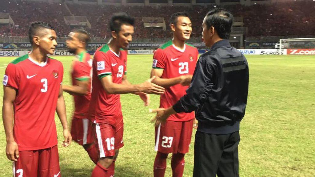 Begini Gaya Jokowi Rayakan Kemenangan Indonesia Atas Vietnam