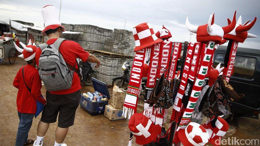 Melihat Euforia Laga Indonesia Vs Vietnam di Sekitar Stadion Pakansari Bogor