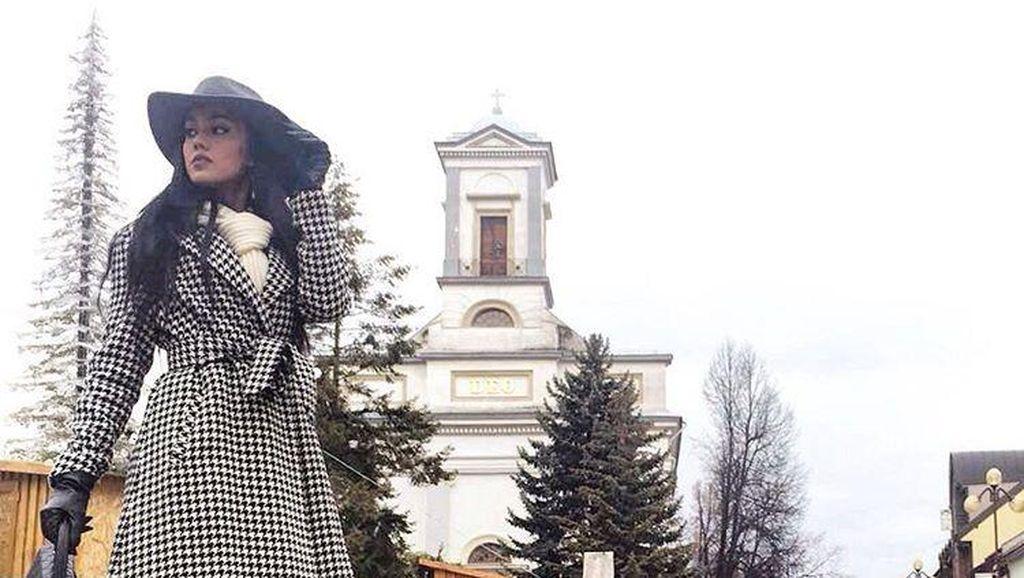 Foto: Penampilan Stylish Intan Aletrino Selama Miss Supranational 2016