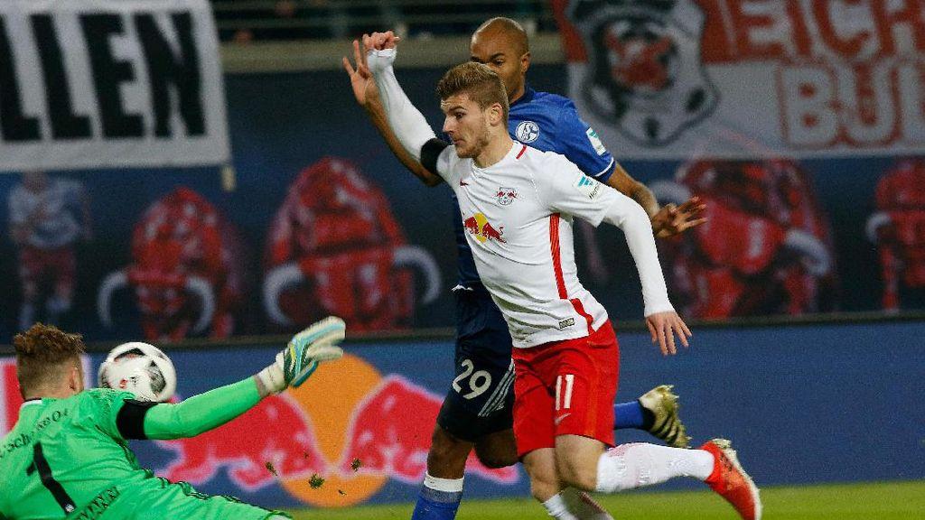 Kalahkan Schalke, RB Leipzig Kembali ke Puncak Klasemen