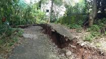 Retakan Tanah Meluas, 15 Kepala Keluarga di Blitar Dievakuasi