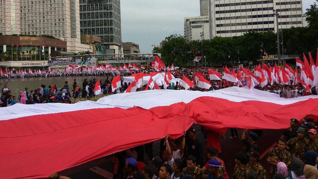 Kobarkan Semangat Peserta Aksi 412, Surya Paloh: Persatuan Tak Boleh Goyah