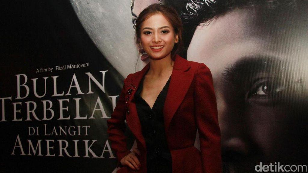 Bulan Terbelah di Langit Amerika 2 Jadi Film Terakhir Acha Septriasa?