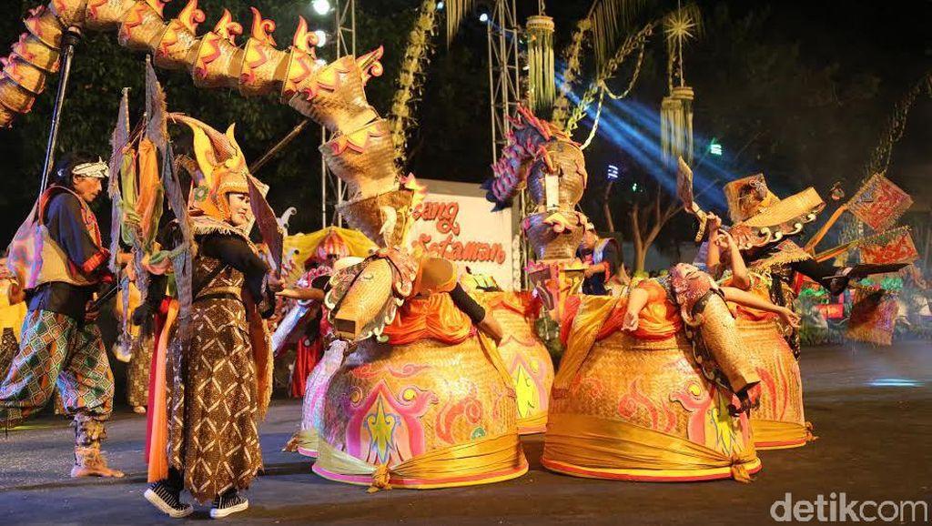 Tampilkan Kerukunan Etnis di Festival Kuwung Banyuwangi