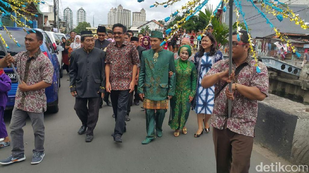 Kampanye Akhir Pekan, Cawagub Djarot Hadiri Acara Nikahan Warga