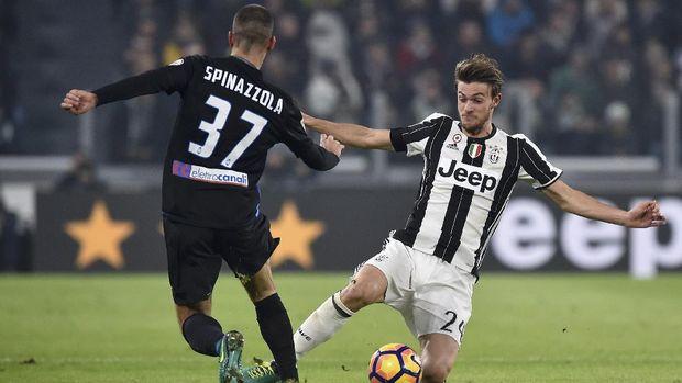 Bek tengah Juventus Daniele Rugani jadi incara Chelsea. (