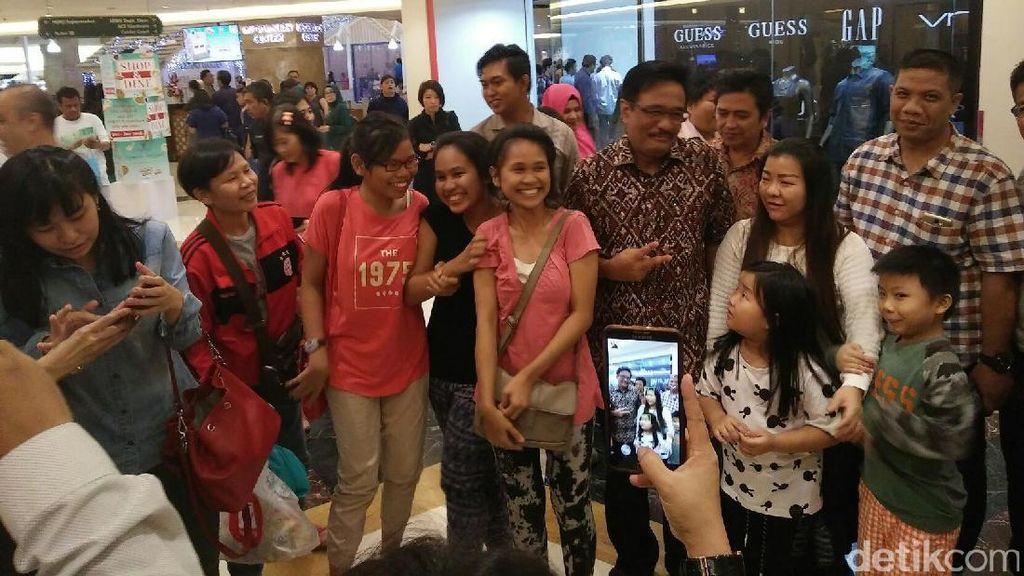 Saat Djarot Buat Heboh Pengunjung Mal Puri Indah Jakarta Barat
