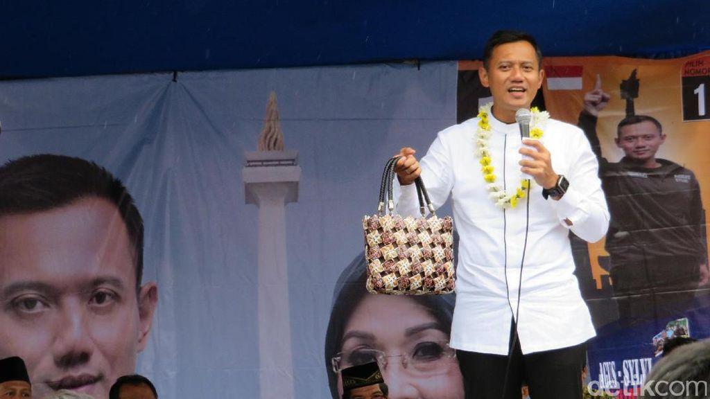 Kampanye di Gandaria, Agus Yudhoyono Dapat Tas Cantik dari Bungkus Kopi