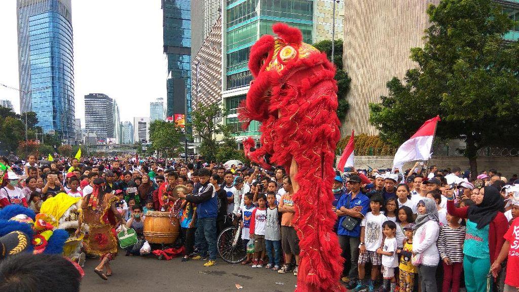 Potret Kemeriahan Parade Bhinneka Tunggal Ika di Area CFD
