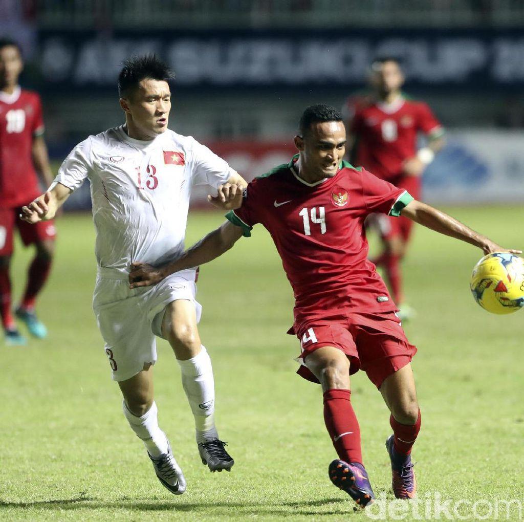 Yakin Bisa Cetak Gol di Vietnam, Riedl: Ada Kans Bagus ke Final