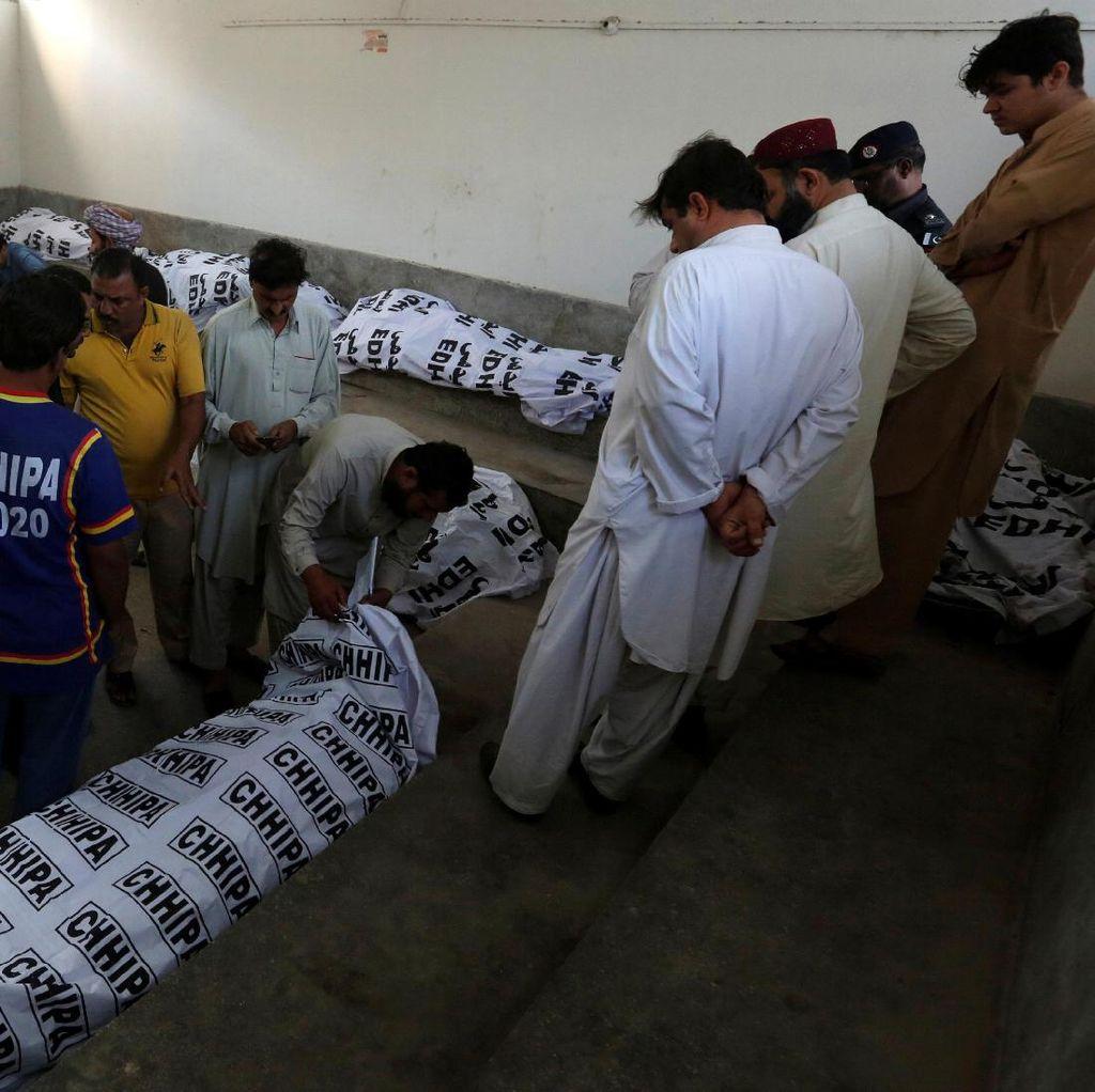 11 Orang Tewas Saat Kebakaran di Hotel Mewah Pakistan