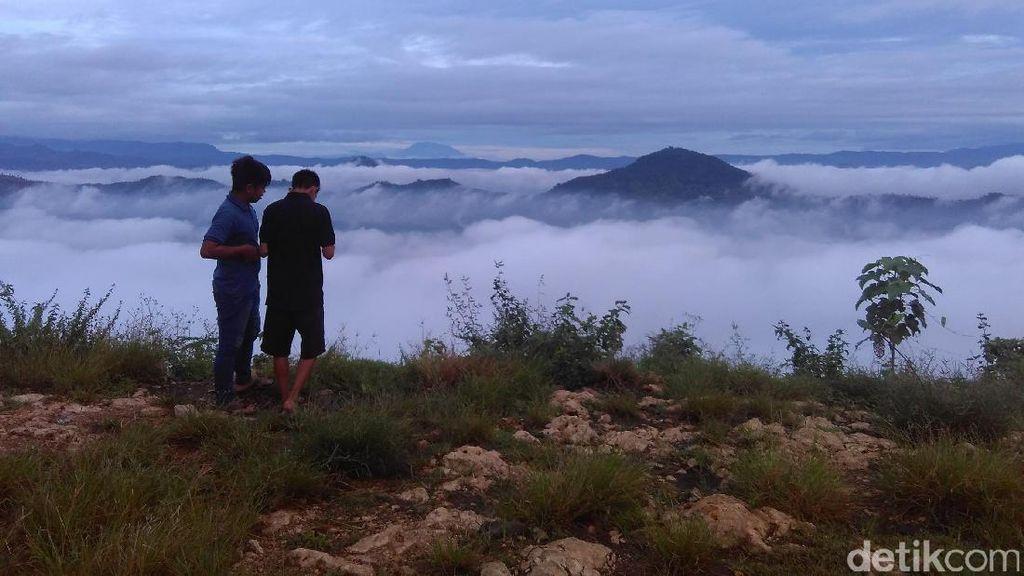 Pemandangan Dahsyat Bukit Banyon Trenggalek