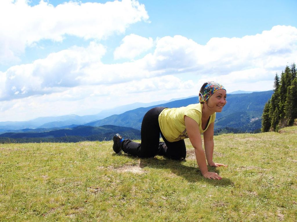 Berat Badan Tak Kunjung Turun? Coba Olahraga dengan Gaya Merangkak