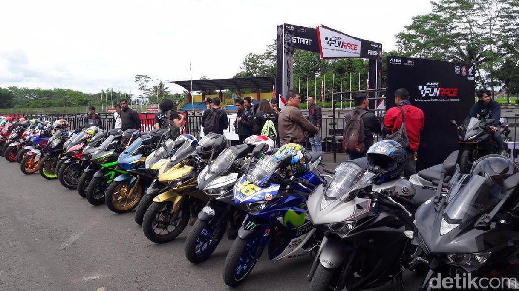 Ribuan Orang Ramai-ramai Balapan dengan Honda CBR250RR