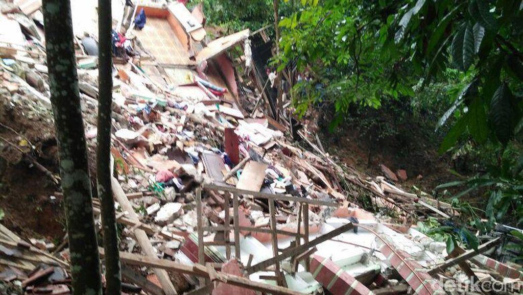 Longsor di Cilograng Lebak, 2 Orang Tewas Tertimpa Bangunan