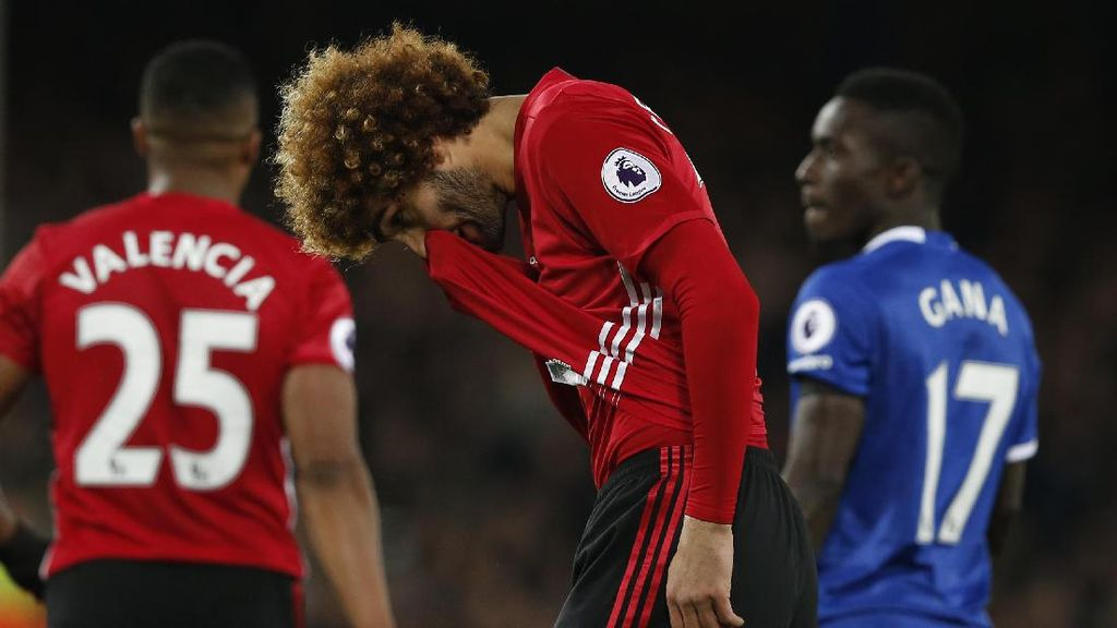 Kenapa Mourinho Memasukkan Fellaini?