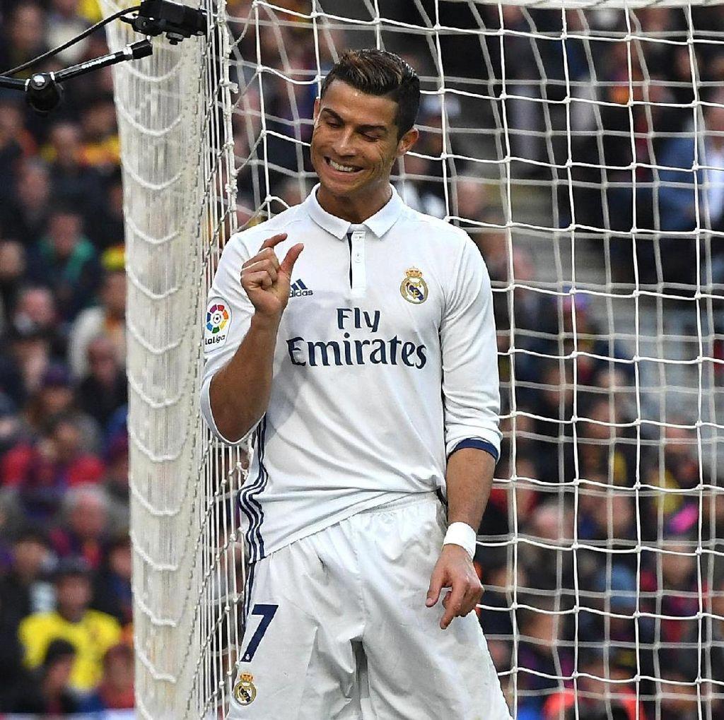 Pose Ronaldo Beda Sendiri di Sesi Foto Bareng Usai El Clasico
