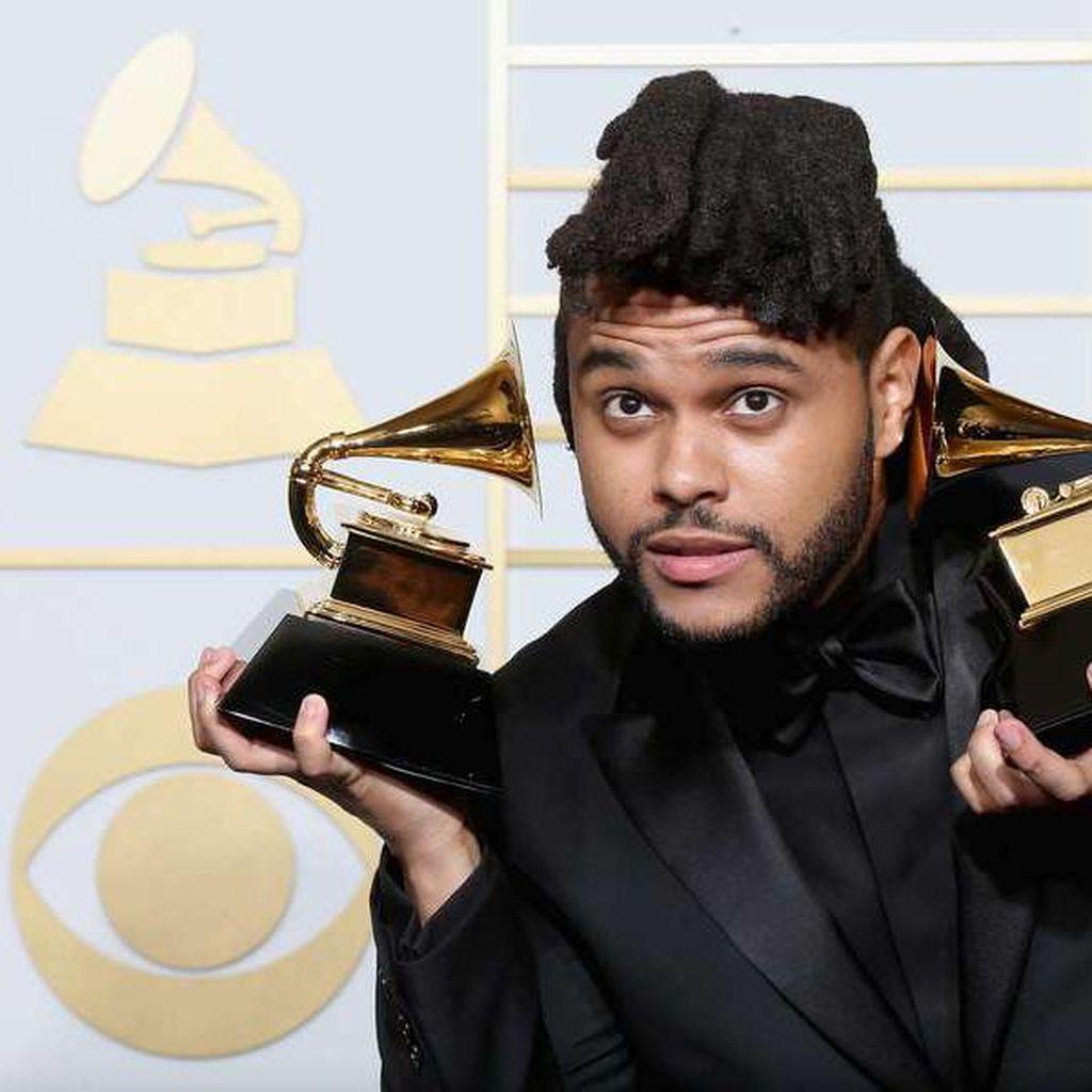 The Weeknd Rilis Lagu tentang Selena Gomez?