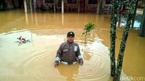 Rumah dan Pasar Tradisional di Ciemas Sukabumi Diterjang Banjir