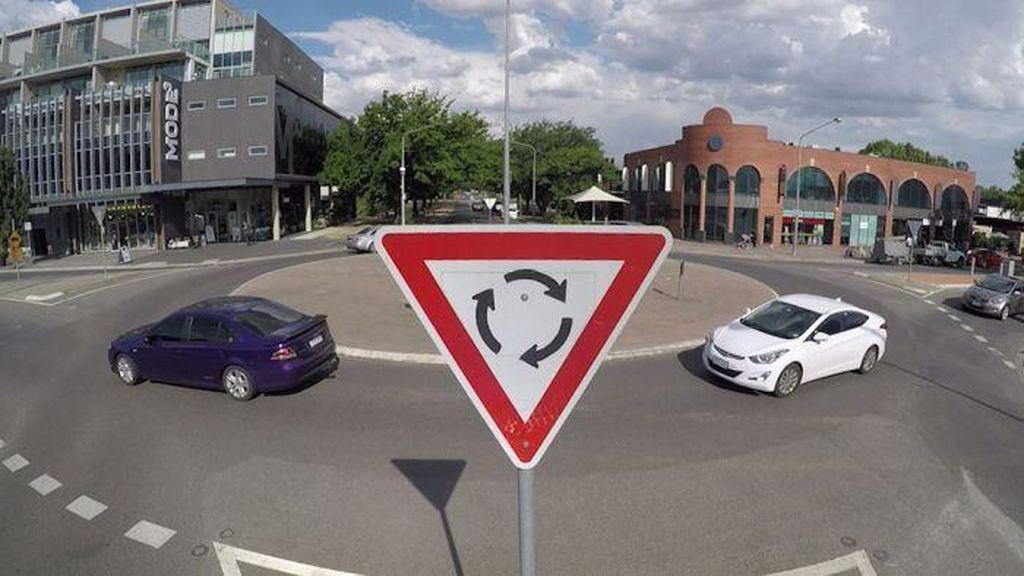 Mengapa Canberra Punya Lebih Banyak Bundaran daripada Lampu Merah?
