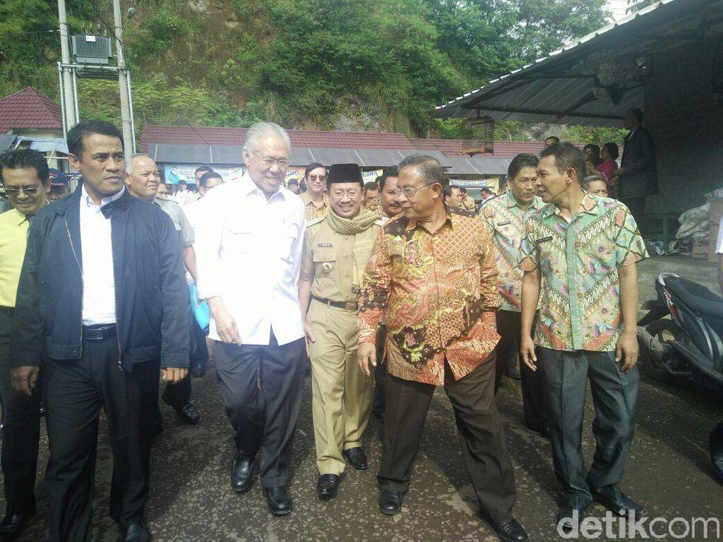 Pagi-pagi, 3 Menteri Jokowi Blusukan Pantau Harga ke Pasar Induk Cianjur