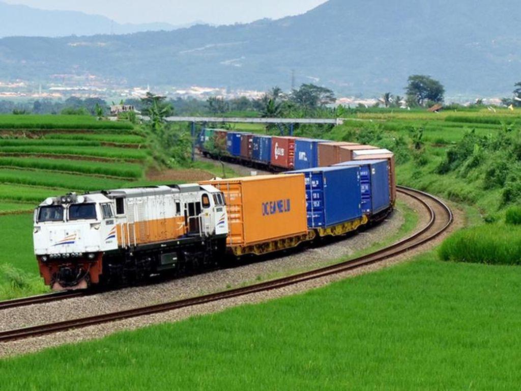 KAI Uji Coba Kereta Barang dari Sei Mangkei ke Pelabuhan Belawan