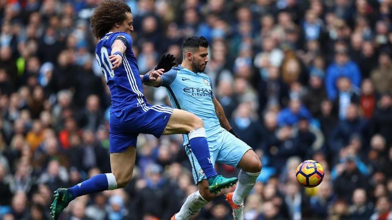 David Luiz Masih Rasakan Sakit akibat Tekel Kasar Aguero