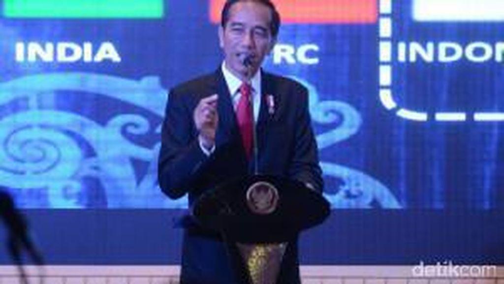 Di Depan Ekonom, Jokowi: Dolar AS Bukan Lagi Tolok Ukur Tepat