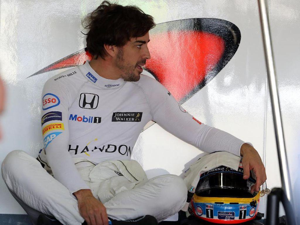 Usai Rosberg Pensiun, Alonso Sempat Bicara dengan Mercedes