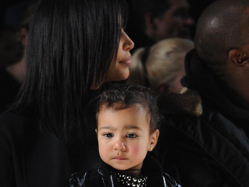 Kim Kardashian Si Ratu Instagram Takut Anak-anaknya Ketagihan Social Media