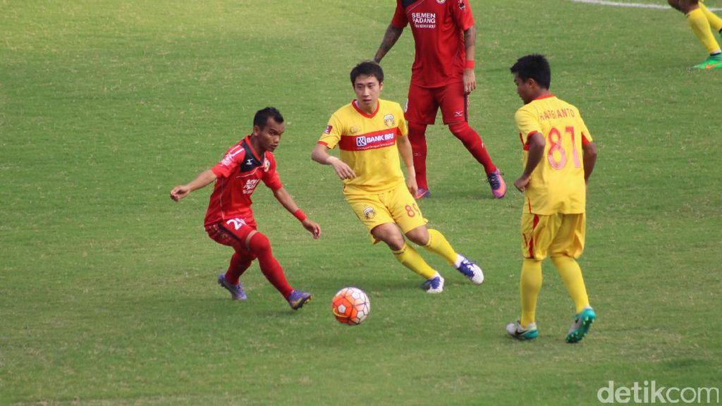 Bhayangkara FC Diredam Semen Padang 2-2