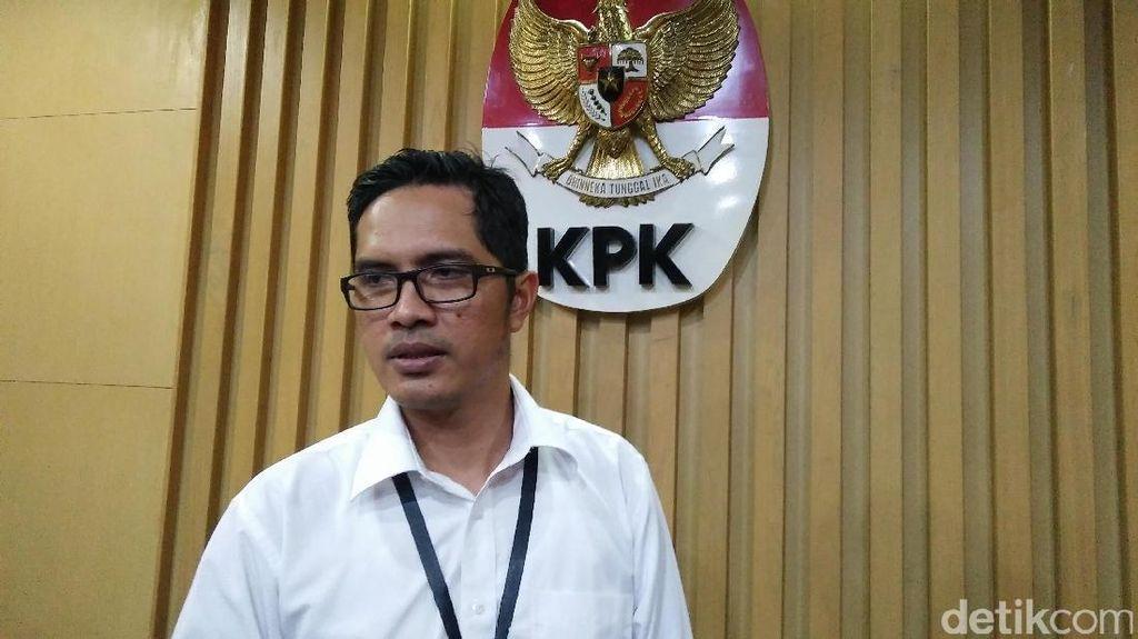 KPK Tunda Pemeriksaan Satu Saksi Kasus Suap Emirsyah Satar