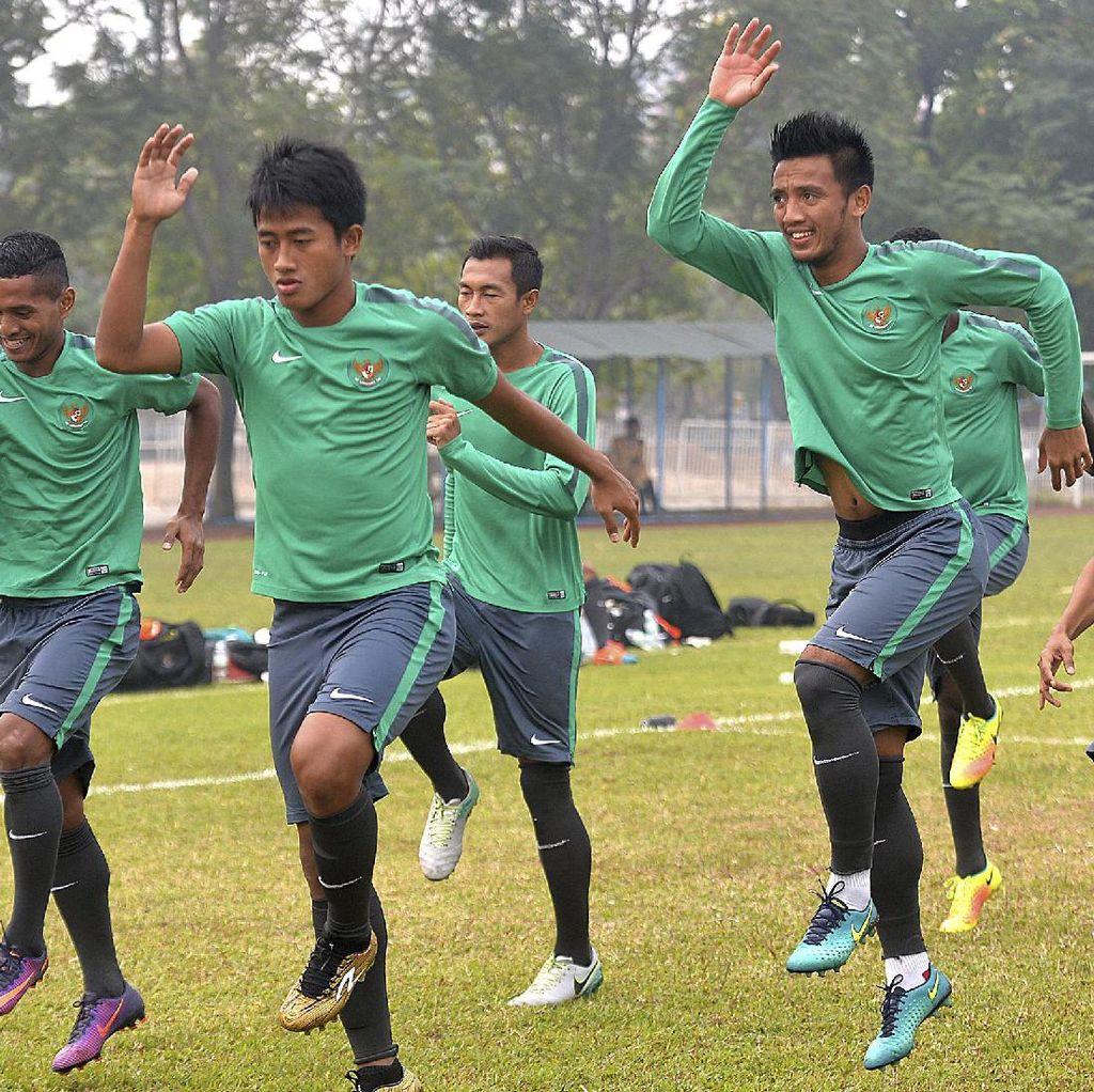 Indonesia Main Tanpa Beban di Hanoi