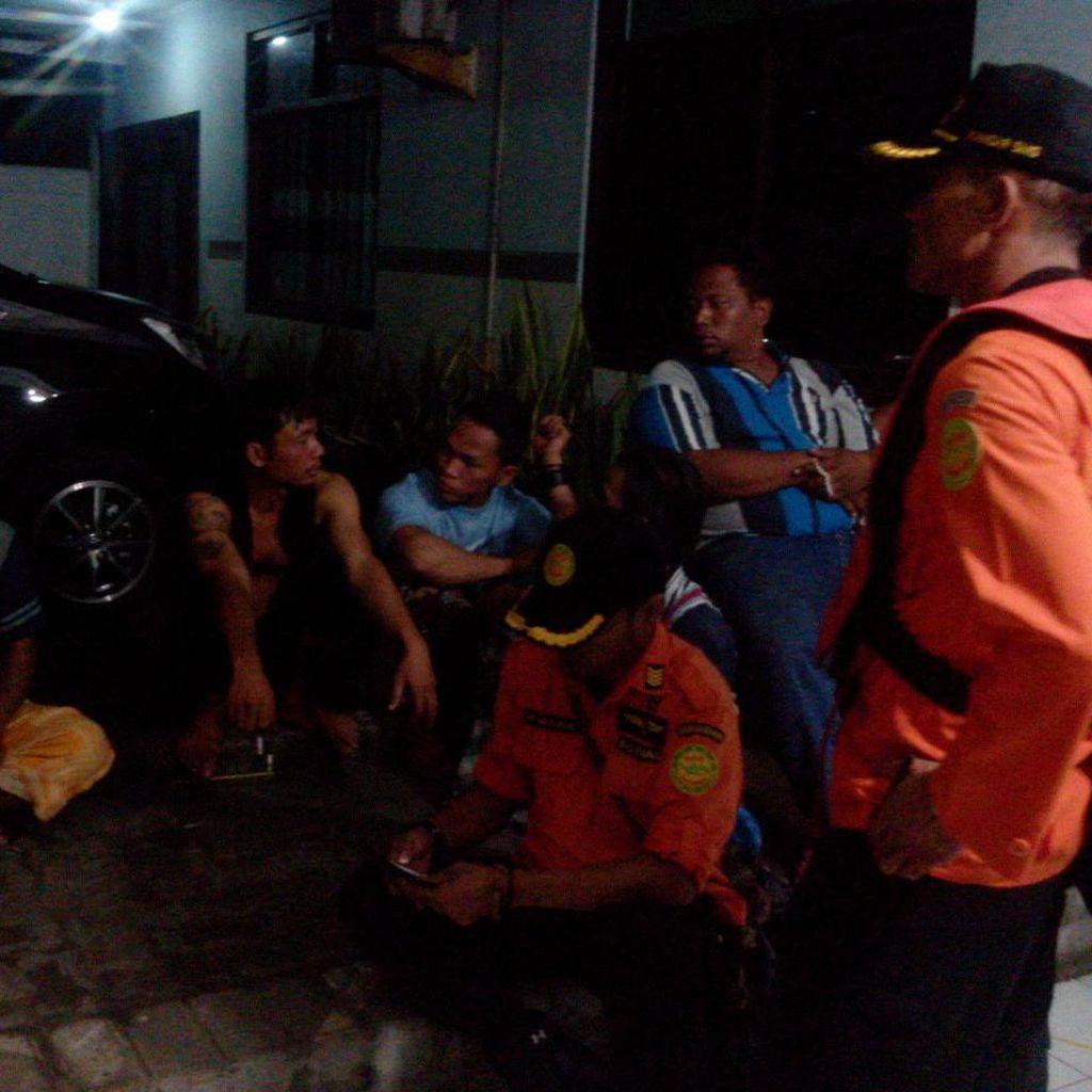 8 Orang Selamat Saat Kapalnya Tenggelam Dihantam Ombak di Semarang